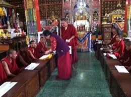 金剛吉祥母供養喇嘛和僧眾