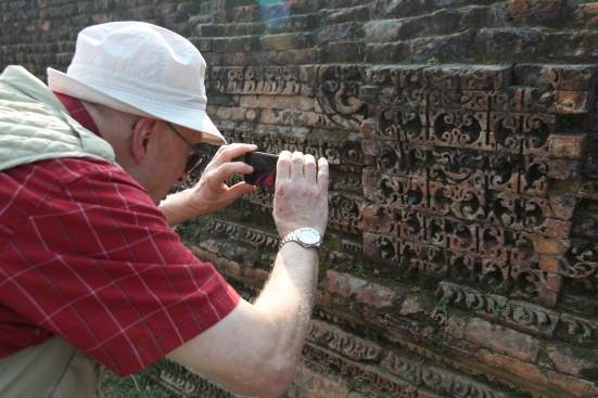 10 Photographing Carvings at Kudan