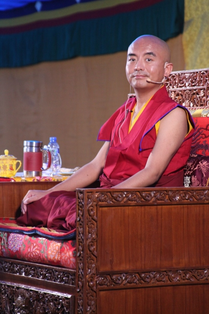28 Rinpoche Teaching Closeup